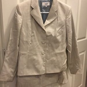 Suit Blazer with matching skirt Size 8P